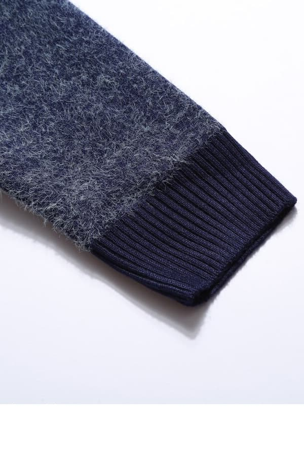Pull Homme tricoté bleu & blanc renne et forêt - Détail Manche