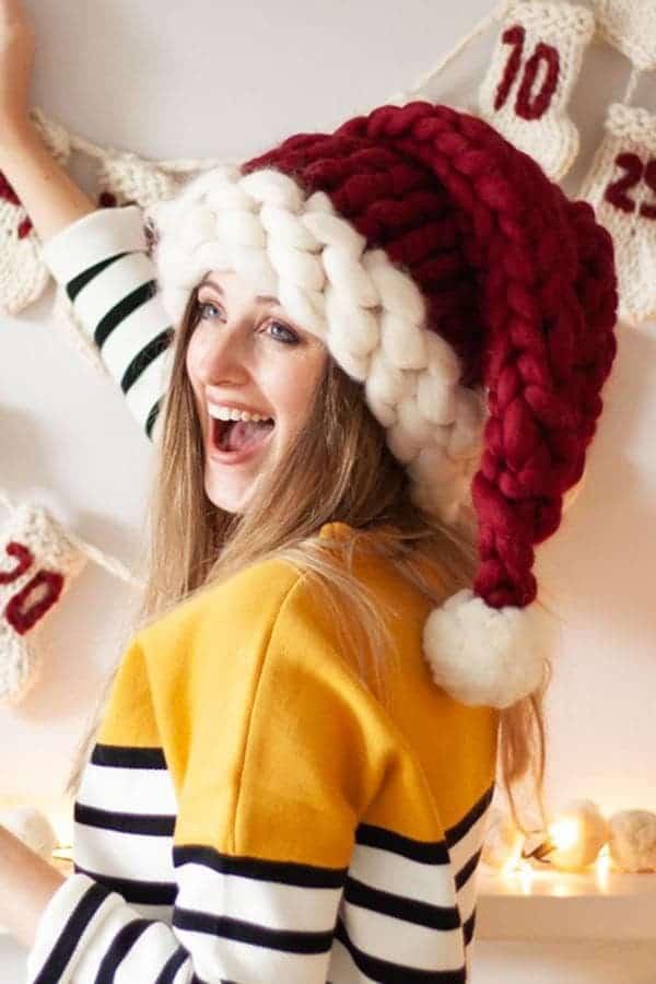 Bonnet de Noël Rouge et blanc en laine fait à la main - Porté